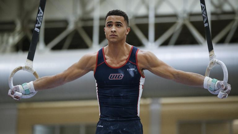 (Courtesy of the University of Illinois at Chicago Men's Gymnastics Team)