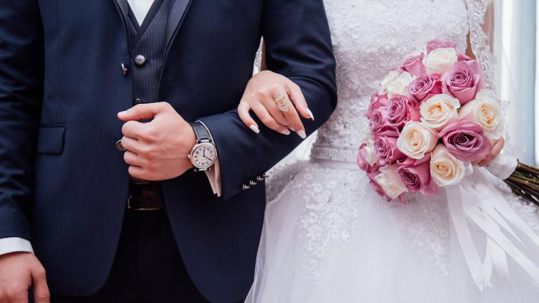 During phase four of Illinois' reopening plan, gatherings, including weddings, are limited to up to 50 people, according to state guidelines. (StockSnap / Pixabay)