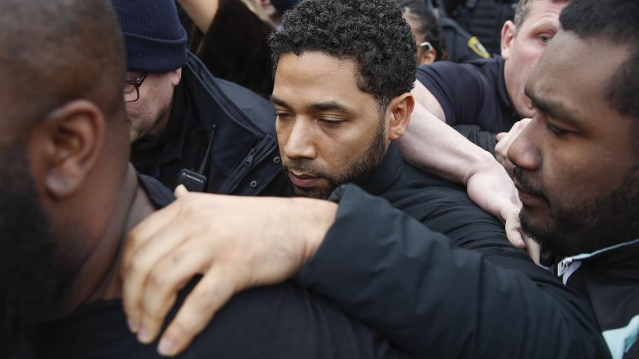 """""""Empire"""" actor Jussie Smollett leaves Cook County jail following his release, Thursday, Feb. 21, 2019. (AP Photo / Kamil Krzaczynski)"""