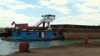 A Day with a Chicago Tugboat Crew