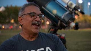 Joe Guzman and his organization Chicago Astronomer host free skygazing events all over the city to connect people to the cosmos. (WTTW News)