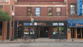Andersonville bar and restaurant Hopleaf (WTTW News)