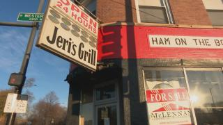 Jeri's Grill in Lincoln Square is one of many restaurants in Chicago that have closed during the pandemic. (WTTW News)