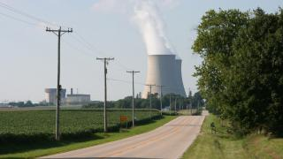 Byron Generating Station just south of Byron, Illinois. (Ben Jacobson / Wikimedia Commons)