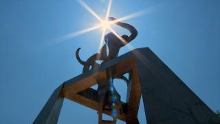 """Richard Hunt's sculpture """"Light of Truth."""" (WTTW News)"""