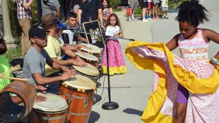 The Segundo Ruiz Belvis Cultural Center has brought Afro-Latin dance, music, and art to Chicago's West Side since 1971. (Courtesy of SRBCC)