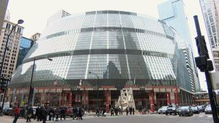 The Thompson Center's glass facade wouldn't pass muster today under a new law requiring bird-friendly design for state buildings. (WTTW News)