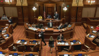 Illinois Senate Passes Budget, Tax Increase