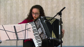Chicago Accordion Club Plays to Keep the Music Alive