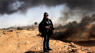 In the Trenches with War Photographer Lynsey Addario