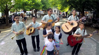 Chicago Family Band Makes Beautiful Music as Cielito Lindo