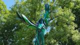 """""""Green Lady"""" in Jackson Park is the latest sculpture to breathe new life into one of Chicago's dead ash trees. (Chicago Sculpture International)"""
