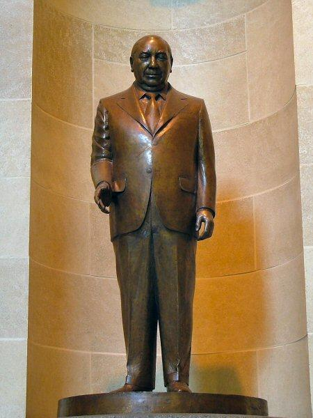 Richard J. Daley statue in Springfield