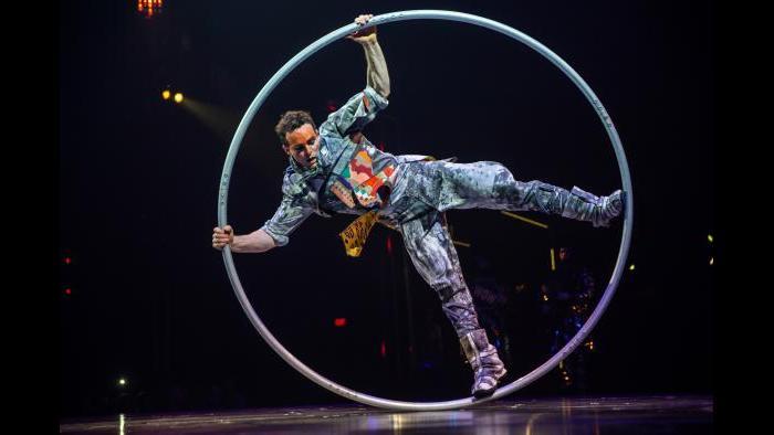 """Cirque du Soleil's """"Volta"""" (Credit: Matt Beard)"""