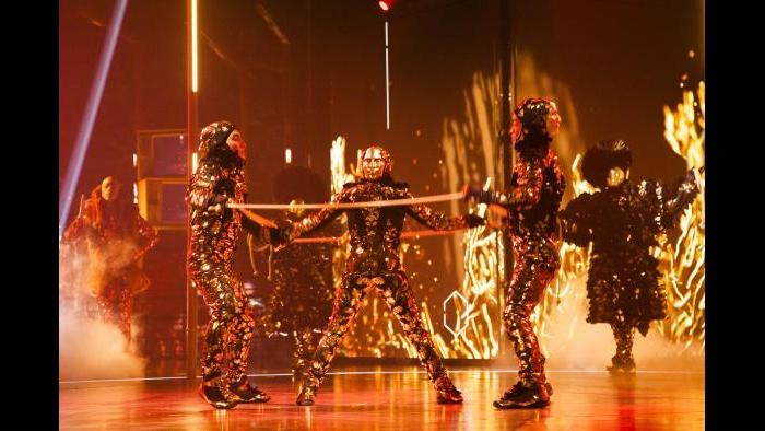 """Cirque du Soleil's """"Volta"""" (Credit: Patrice Lamoureux)"""