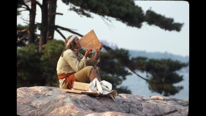 George LeSieutre as the notary Jacques de la Metairie measures the declination of the sun in Alexandria Bay on August 22, 1976. LeSieutre used 17th century tools to make a detailed map of the expedition. (Photographers of the La Salle: Expedition II)