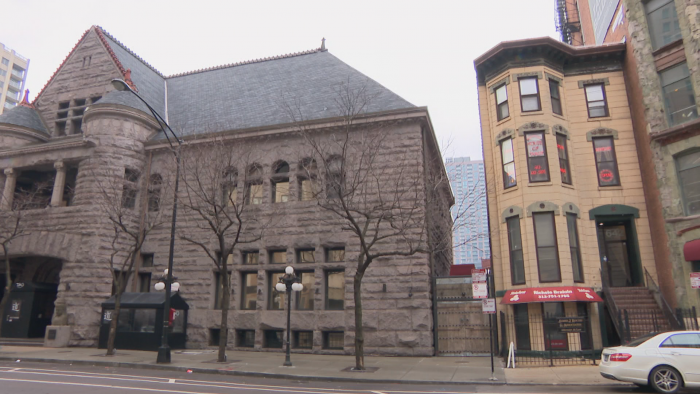 The limestone Italianate building at 642 N. Dearborn St. is located next to the former Chicago Historical Society building designed by Henry Ives Cobb. Cobb's former home at 716 N. Rush St. is also part of the proposed district. (Felix Mendez / WTTW News)