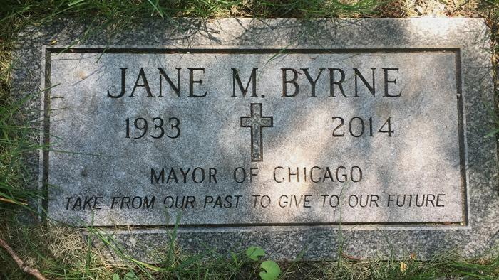 Mayor Jane Byrne, Calvary Cemetery (Credit: Larry Broutman)