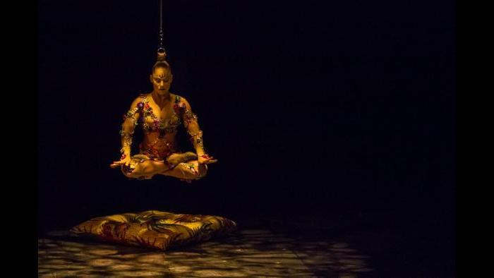 """Cirque du Soleil's """"Volta"""" (Credit: Benoit Z. Leroux)"""
