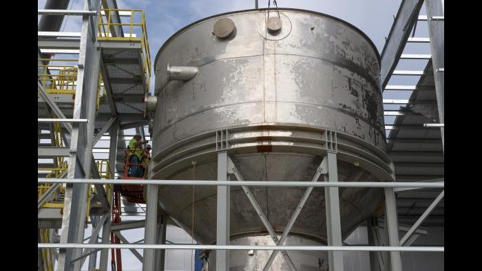 A reactor at the Stickney facility. (Courtesy Metropolitan Water Reclamation District of Greater Chicago)