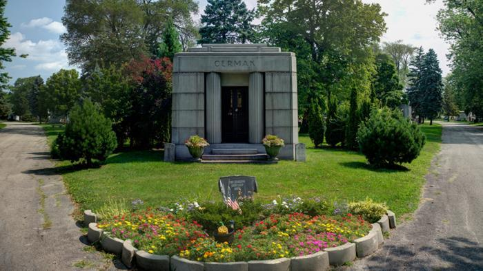 Mayor Anton Cermak, Bohemian Cemetery (Credit: Larry Broutman)