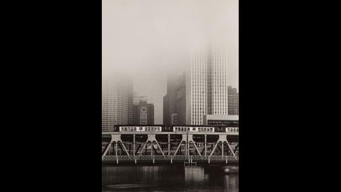 "Yasuhiro Ishimoto, ""Untitled, Chicago (El Over River)"" 1950. (Courtesy of the Terra Foundation for American Art)"