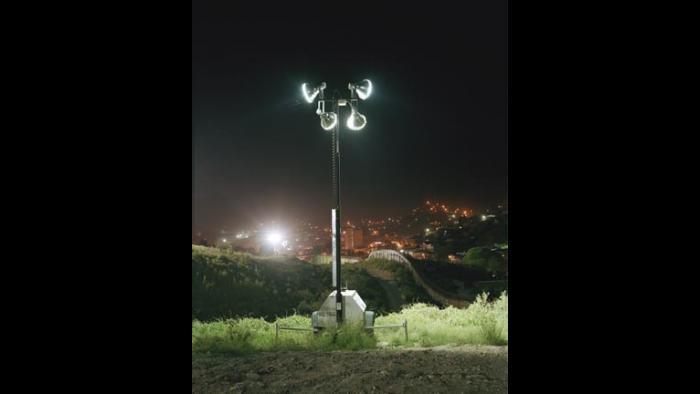 """Simon Norfolk, Mercury Halide: Pa' Una Ciudad Del Norte, from the """"Arizona/Mexico: Soy Una Raya En El Mar"""" series, 2006"""