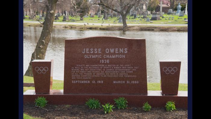 Jesse Owens, Oak Woods Cemetery (Credit: Larry Broutman)