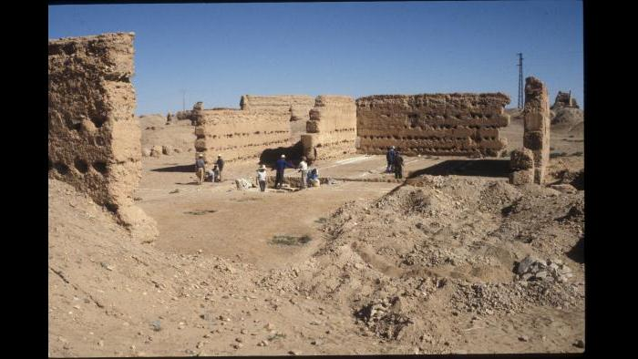 "Excavations within the Sijilmasa mosque, with exposed walls from the ""Filalian"" period. Photograph by MAPS, 1996"