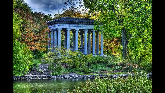 Potter Palmer, Graceland Cemetery (Credit: Larry Broutman)