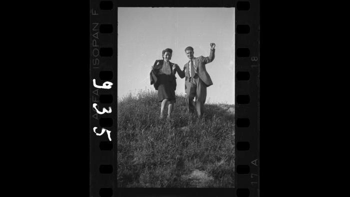 Ghetto residents happily strolling, 1940-1944. (Courtesy of the Art Gallery of Ontario, Gift of the Archive of Modern Conflict)