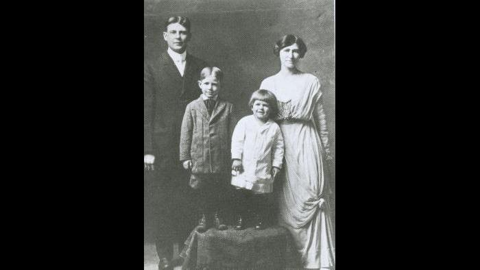 The Reagan family 1914. Left to right: Jack, Moon, Dutch, Nelle.