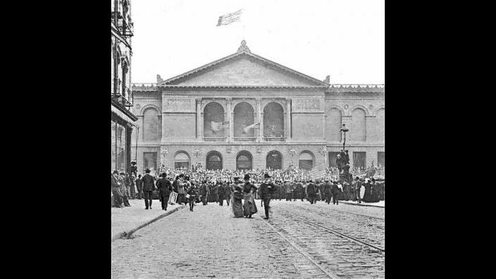 Opening day of the museum, Dec. 8, 1893 (Courtesy of The Art Institute of Chicago)