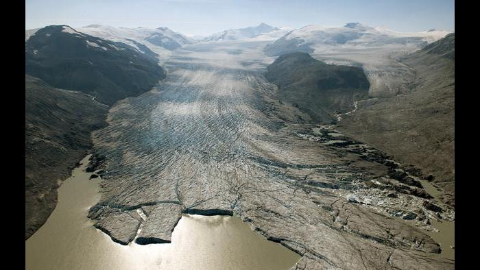 Bridge Glacier contributes to the loss of over 5.8 trillion gallons of water from British Columbia's glaciers every year. This photo was captured in 2009. (James Balog / Museum of Science and Industry)