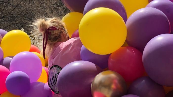 Luft Balloons owner Elaine Frei, engulfed in her work. (Patty Wetli / WTTW News)