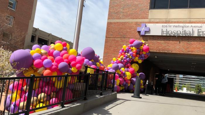 The installation at Illinois Masonic consists of 2,600 balloons. (Patty Wetli / WTTW News)