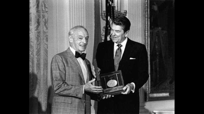 Bellow with Ronald Reagan (Courtesy of the University of Chicago News Office; photo by Mary-Anne Fackleman-Miner/The White House)