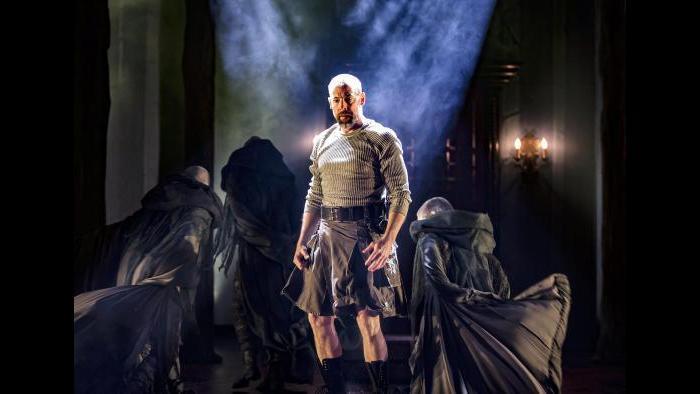 Ian Merrill Peakes as Macbeth. (Photo by Liz Lauren)