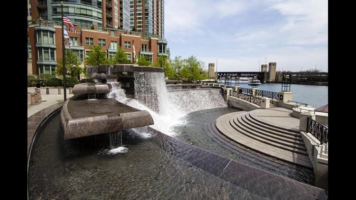 Centennial Fountain (Credit: Julia Thiel)