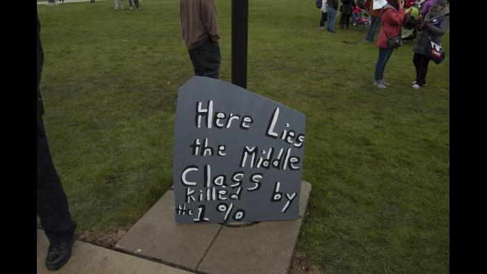 Headstone at CTU rally at Northeastern Illinois University. (Tricia Wood)