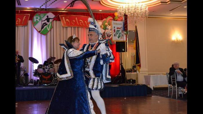 Rheinischer Verein Mardi Gras Society of Chicago Maskenball (Erica Gunderson / Chicago Tonight)