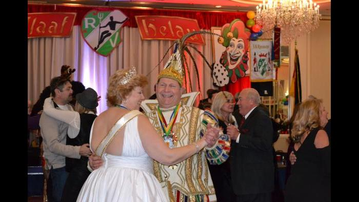 Rheinischer Verein Mardi Gras Society of Chicago Maskenball (Erica Gunderson / Chicago Tonight)