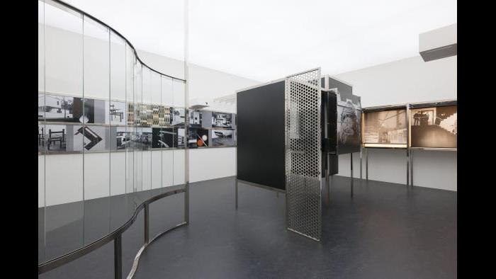 László Moholy-Nagy. Raum der Gegenwart (Room of the Present), constructed 2009 from plans and other documentation dated 1930. Van Abbemuseum, Eindhoven, 2953. © 2016 Hattula Moholy-Nagy/VG Bild-Kunst, Bonn/Artists Rights Society (ARS), New York.