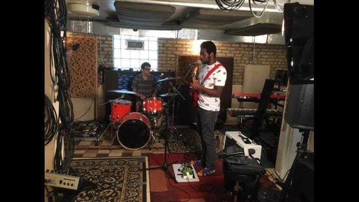 Nnamdi Ogbonnaya preps for Pitchfork (Marc Vitali / Chicago Tonight)