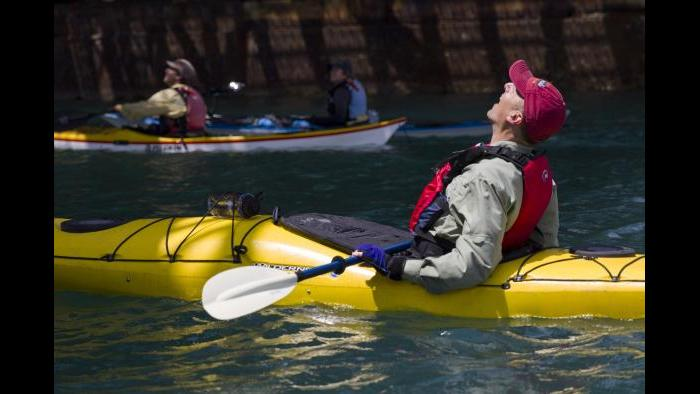 Kayaking in the Calumet River. (Luke Brodarick / Chicago Tonight)