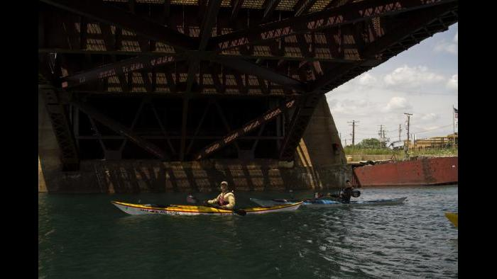 Paddling under a bridge made famous by the Blues Brothers. (Luke Brodarick / Chicago Tonight)