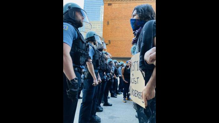 Scenes from Chicago protests on Saturday, May 30, 2020 over the killing of George Floyd. (Hugo Balta / WTTW News)