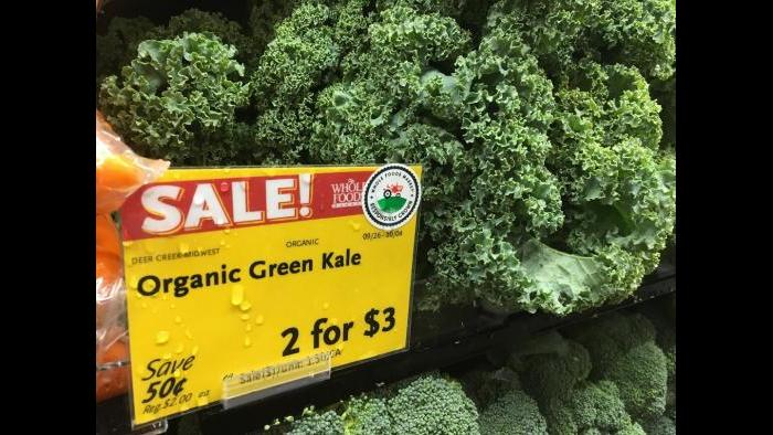 Organic kale from Deer Creek, Ill.: 2 for $3 in Englewood