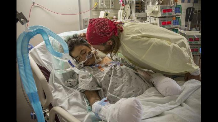 Dan and Rhonda at hospital (Lloyd DeGrane Photography)