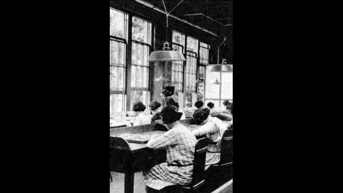The dial-painting studio in Orange, New Jersey, in early 1920s. (CHR, National Archives, Chicago)